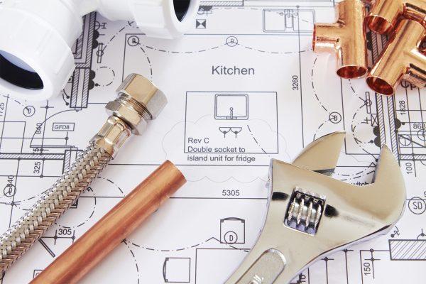 Cuidado con las instalaciones de fontanería y electricidad al comprar una casa