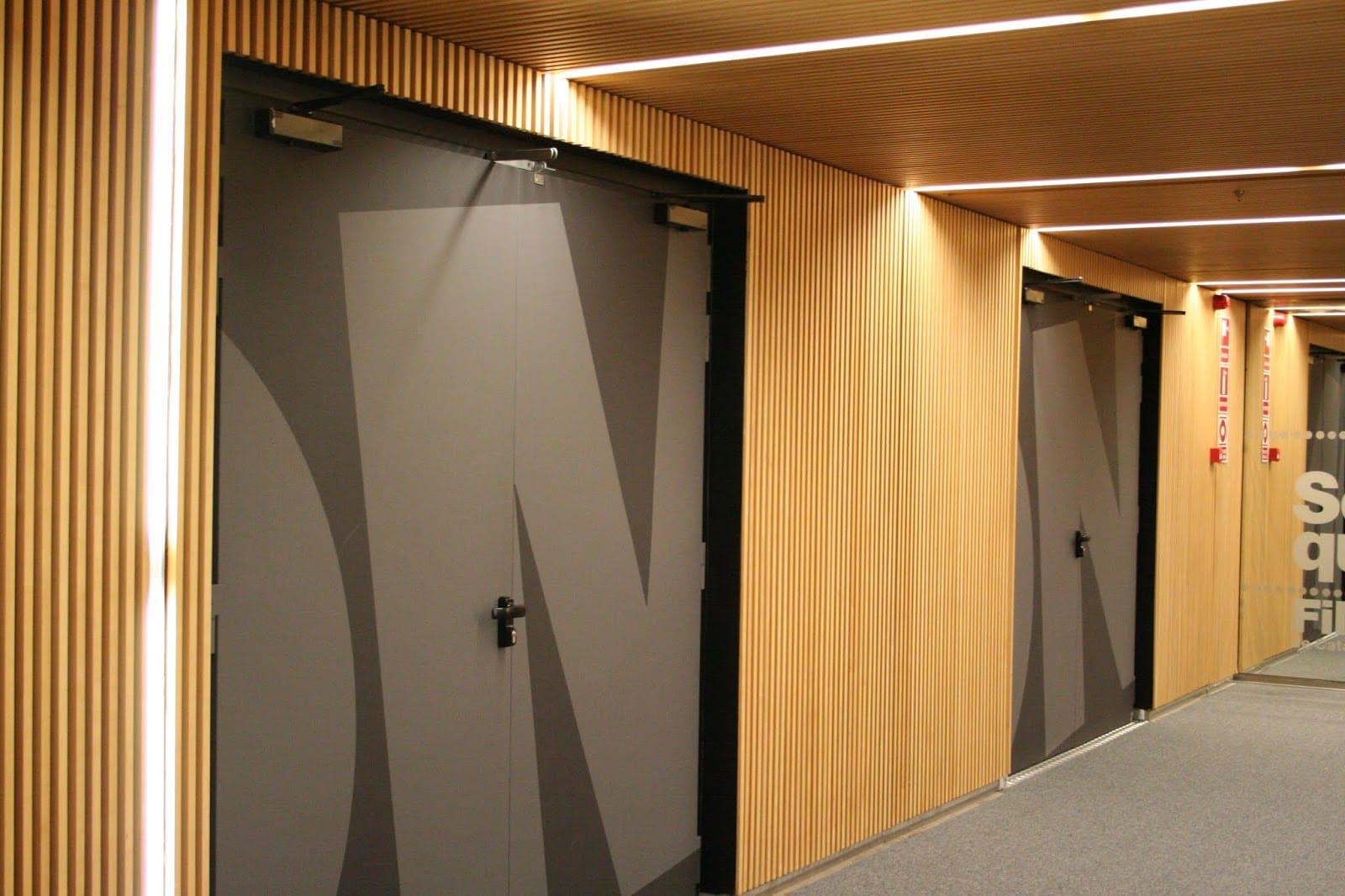 puerta acústica