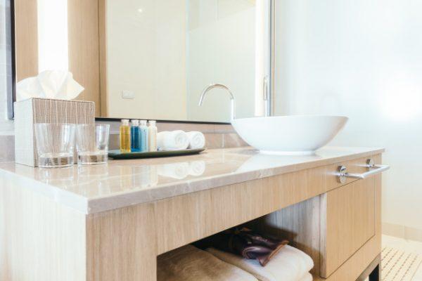 Decoración con muebles para baños