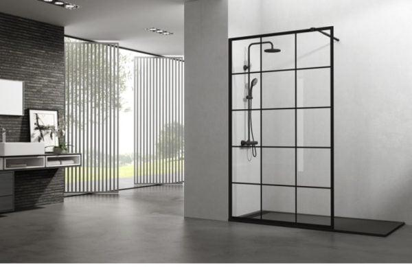 La mampara de ducha negra en diseño moderno para baños