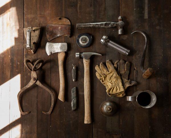 Herramientas esenciales para tu taller personal